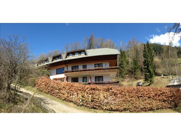 Bad Kleinkirchheim/Kärnten,  ein Nest unter dem Dach, (LIN MIMAU),  ca. 30 m2 WFL, Balkon