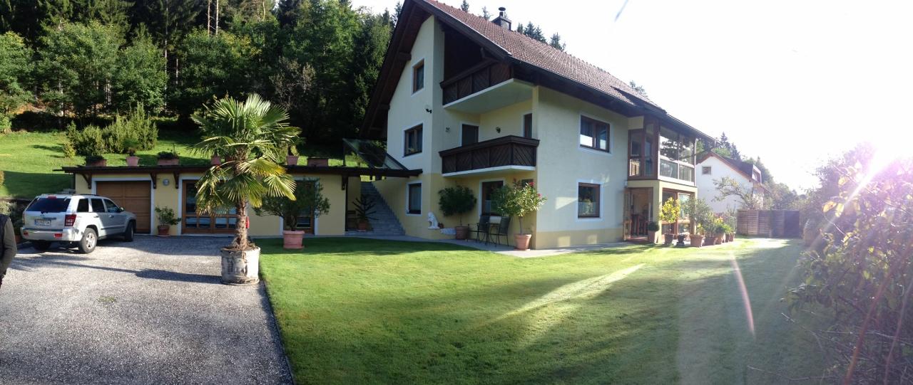 Ledenitzen/Kaernten, neu renoviertes Einfamilienhaus im Gruenen, ca 2800m2 Grund