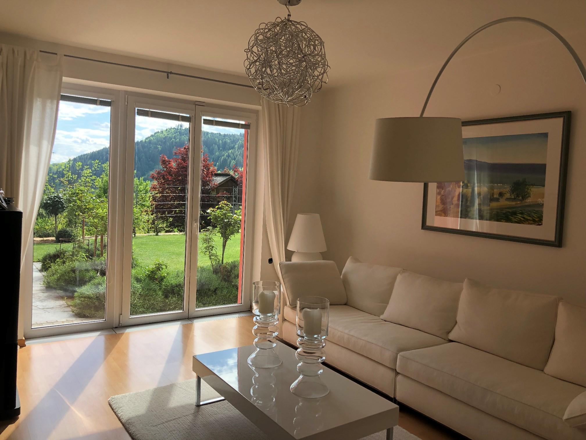 St. Urban, Kaernten, grosszuegige Villa mit 530m2, eigener Badesee