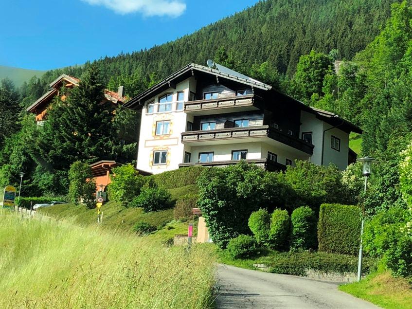 Bad Kleinkirchheim Kaernten, 3 Wohnungen (HOF) in kleiner Anlage, herrlicher Blick ins Tal