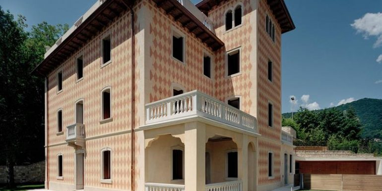 Villaa, Castello