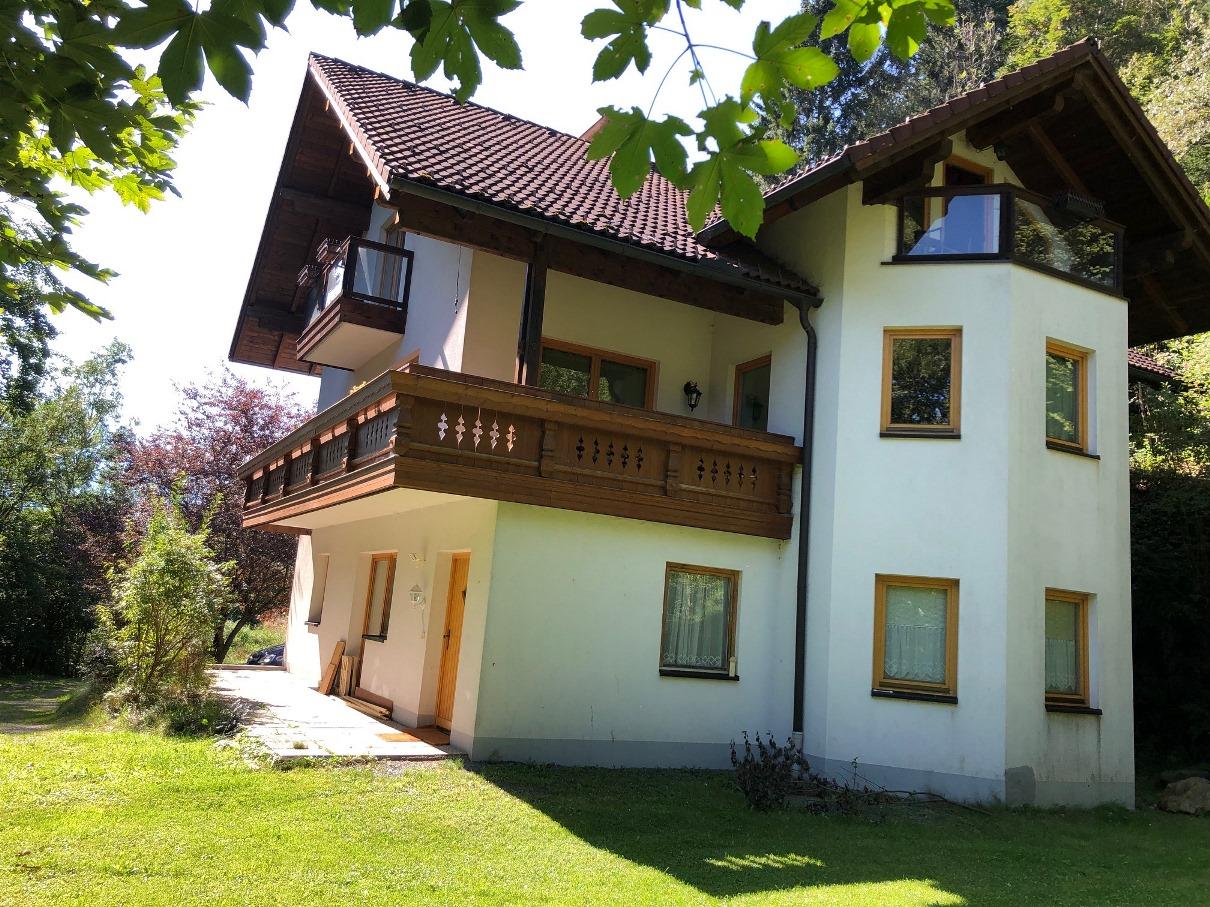 Bad Kleinkirchheim, Schoene Wohnung (BEUS) 2 Schlafzimmer, Balkone, Garage