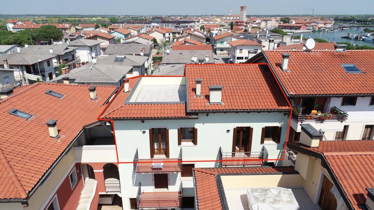 Italia, MARANO LAGUNARE, Apartment (VISTAMARE) ueber 2 Stockwerke mit Lift und Garage