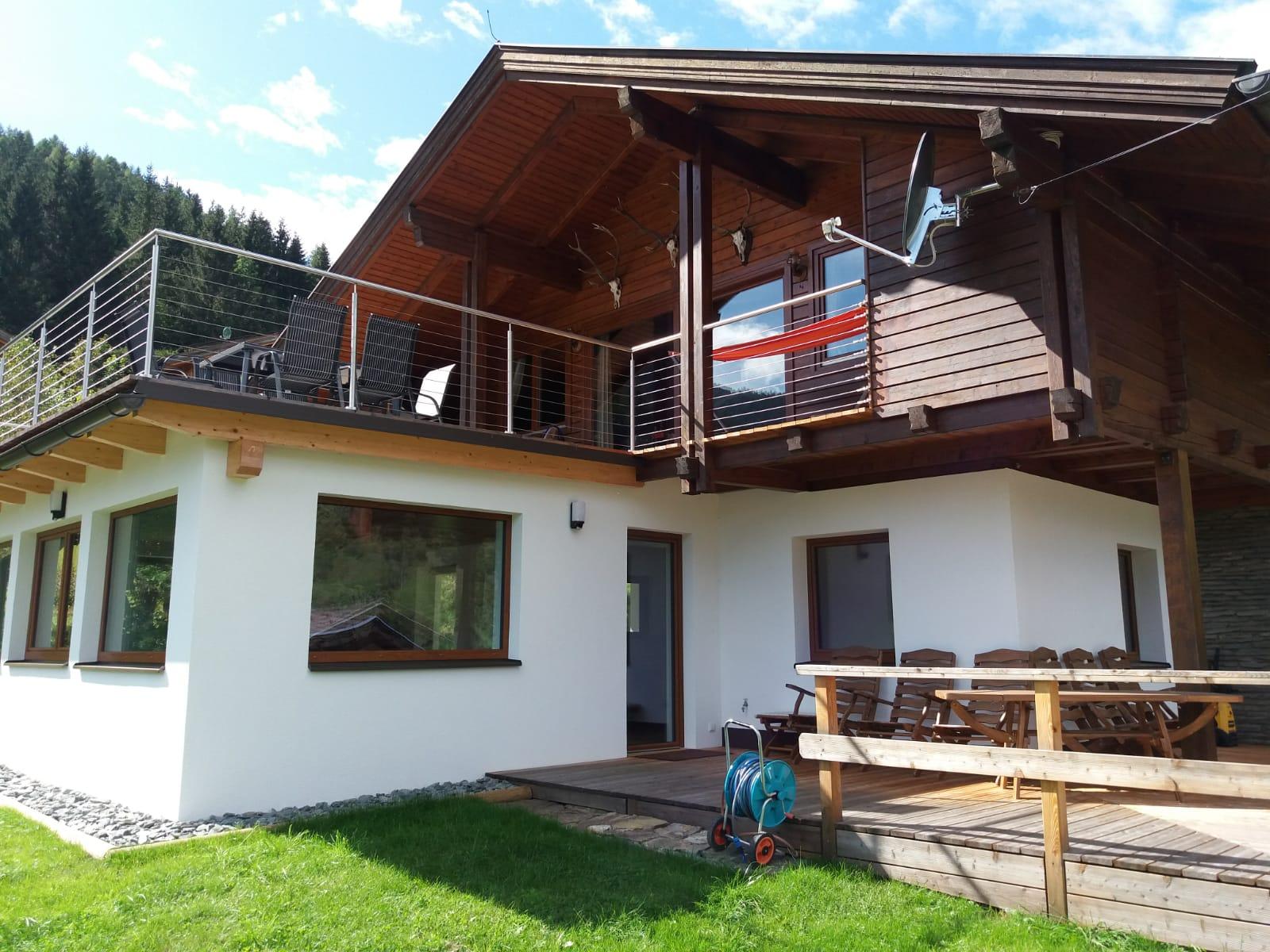 Bad Kleinkirchheim, Kaernten, Schoenes Haus in ruhiger Lage, direkt am Golfplatz
