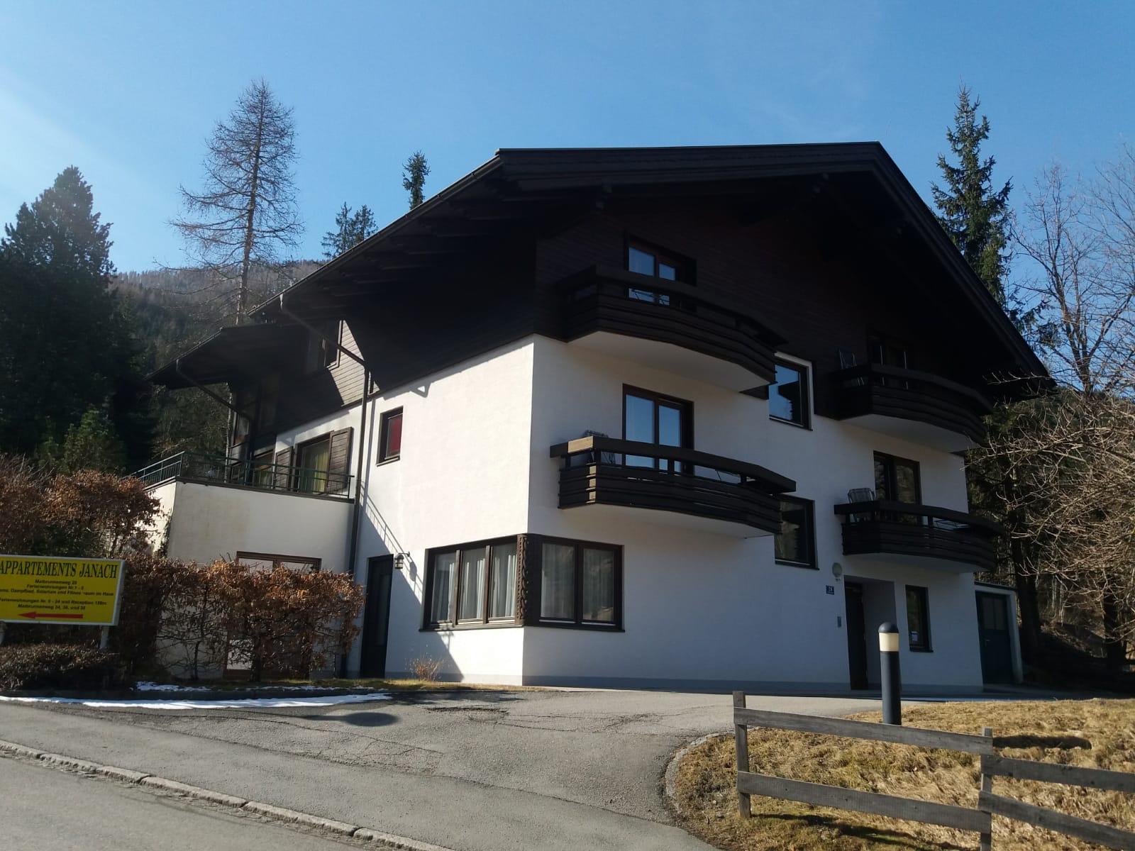 Bad Kleinkirchheim, Kaernten, Wohnhaus mit 5 Ski-Apartments, Lage an der Piste, Gelegenheit!!