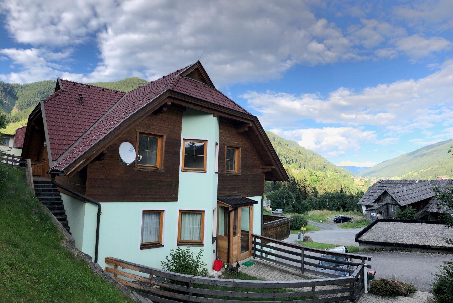 Bad Kleinkirchheim, Kaernten, Apartment (BELLAVISTA) nahe Skipiste, 2 Schlafzimmer, Balkon, Garage, sonnig, schoener Blick, Ortsteil Obertschern