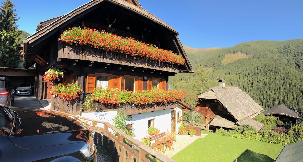 Bad Kleinkirchheim,  Kaernten, St Oswald Haus Christine, 2 WOHNUNGEN, wohnen und vermieten, Gelegenheit zu einem Gesamtpreis