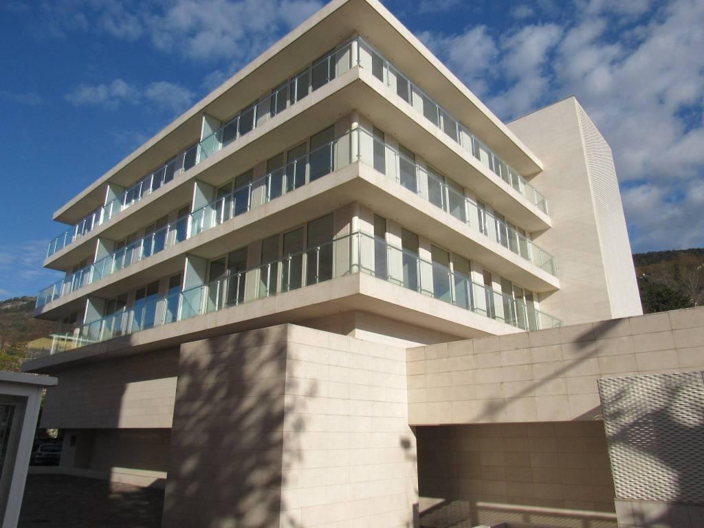 TRIESTE, Wohnung 2 min vom Strand, Barcola, Viale Miramare, neue Apartment-Residence