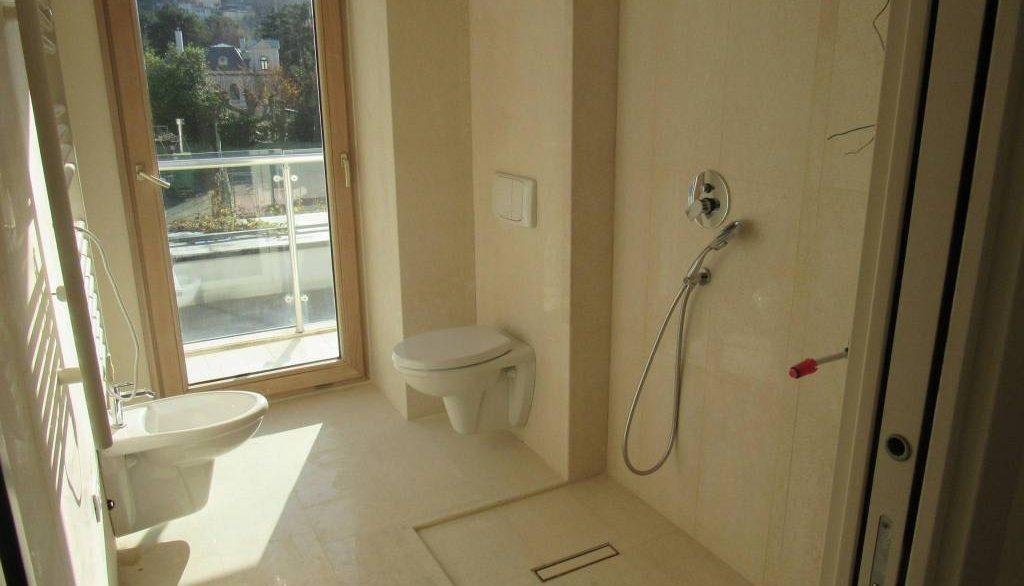 Foto Badezimmer mit Fenster